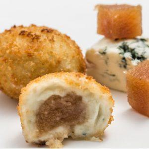 besamela queso azul y membrillo